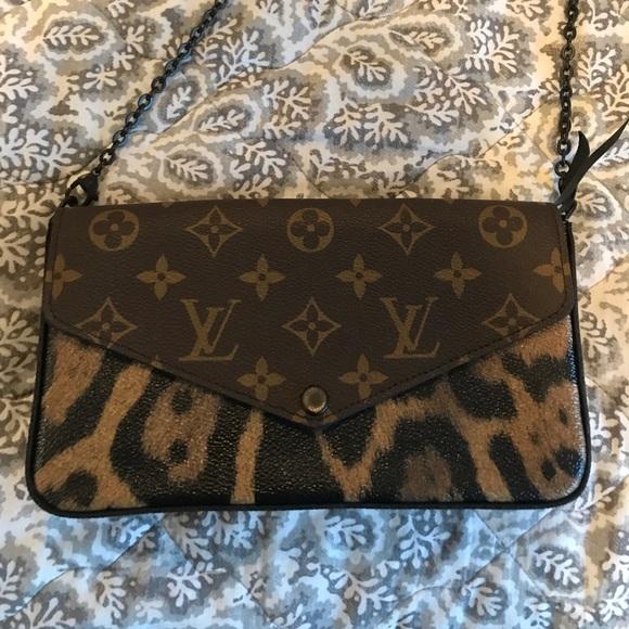 537acb73c36d Louis Vuitton Handbags - Authentic Louis Vuitton Pochette Felicie Monogram